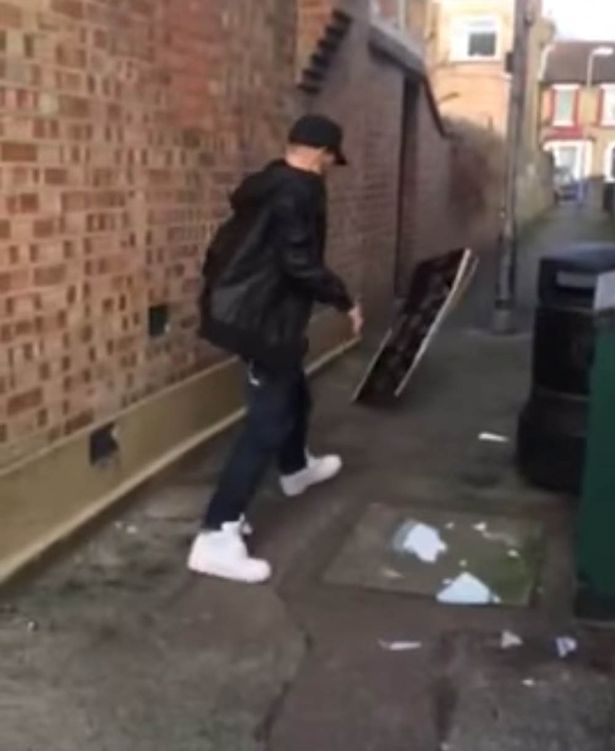 Brian-Harvey smash